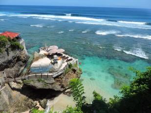 uluwatu-indonesia
